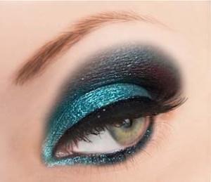 [تصویر:  Glitter-eye-Makeup-2.jpg]