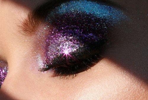 [تصویر:  Glitter-eye-Makeup-5.jpg]