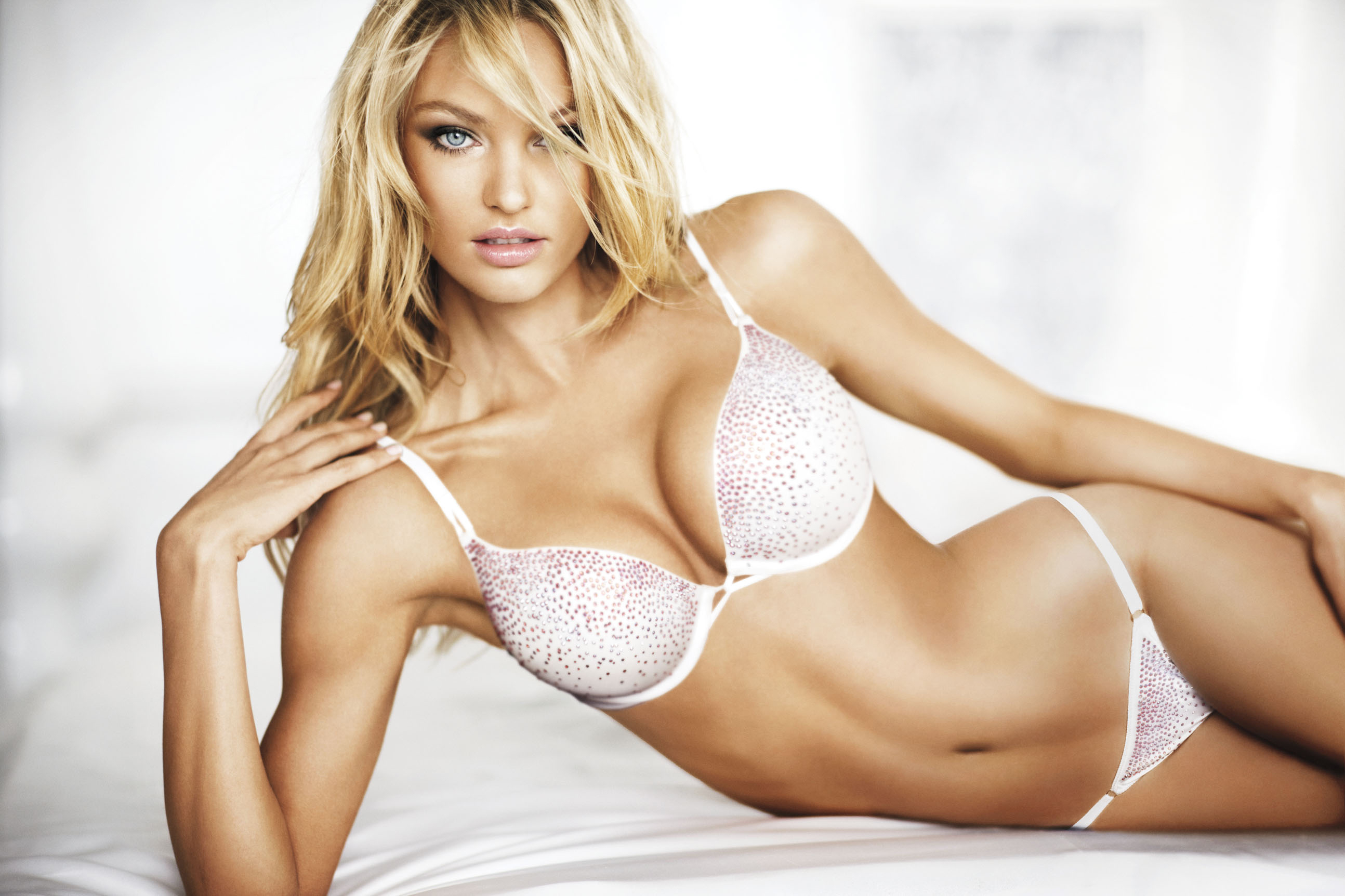 Victorias Secret Miracle Bra Bikini Panties 118