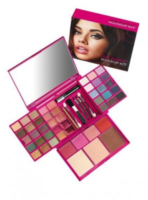 Makeup Kits on Girls Beauty Salon     Victoria   S Secret Hello Bombshell Makeup Kit