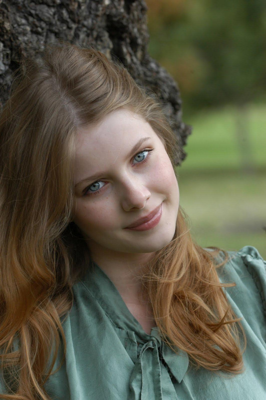 Smooth Silky  Simple Rachel Hurd Wood Hairstyles