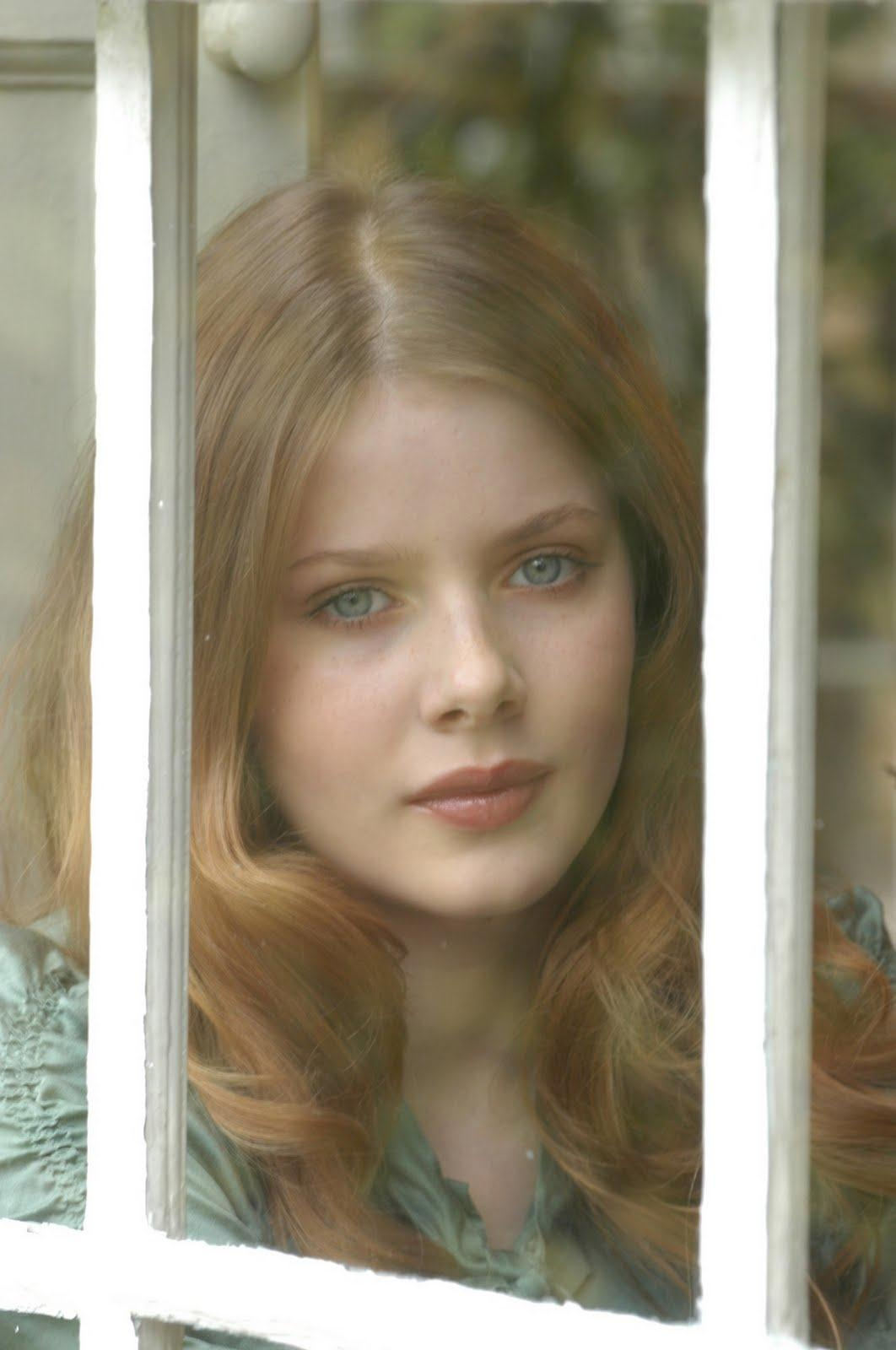 Rachel Hurd Wood Straight Brown Hairstyle