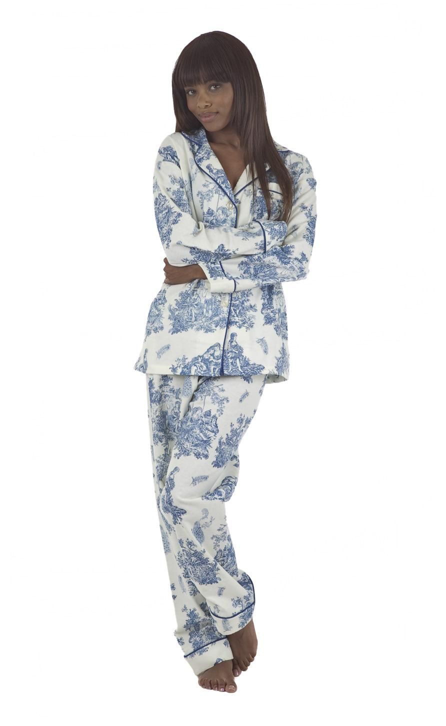 Free shipping on women's sleepwear, pajamas, loungewear, and robes at arifvisitor.ga Shop for pajamas, nighties, tanks, shorts, joggers, chemises, nightgowns.