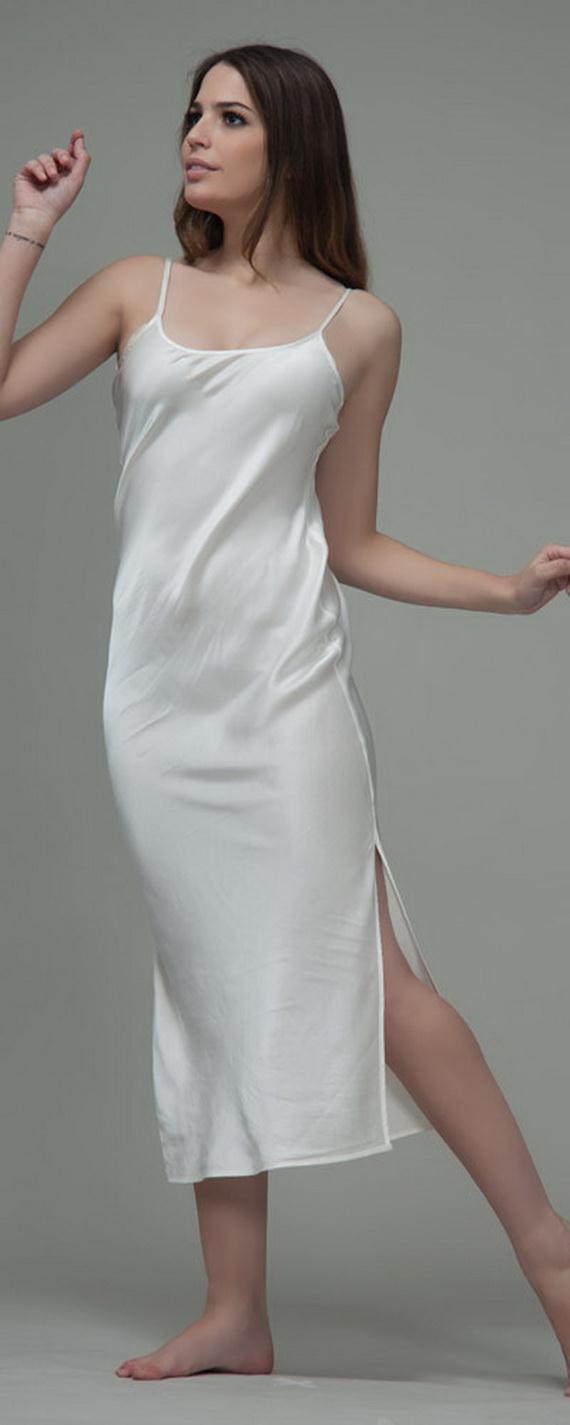 White Exquisitely Beautiful And Romantic Luxury Nighties 13  b412adb57
