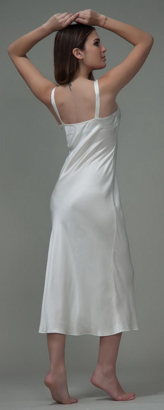 White Exquisitely Beautiful And Romantic Luxury Nighties 14  9149d20fb