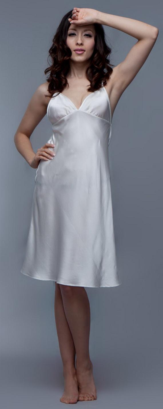 White Exquisitely Beautiful And Romantic Luxury Nighties 3