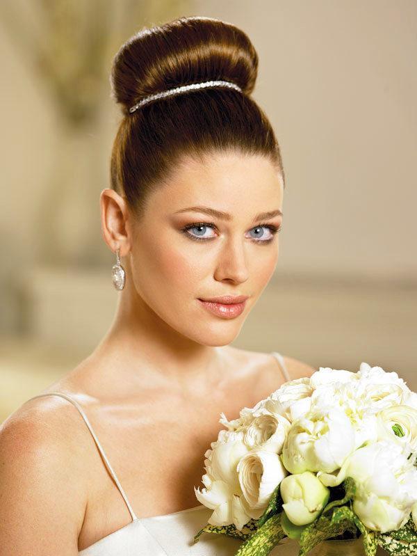 Wedding Day Bridal Medium Hairstyles 22 She12 Girls