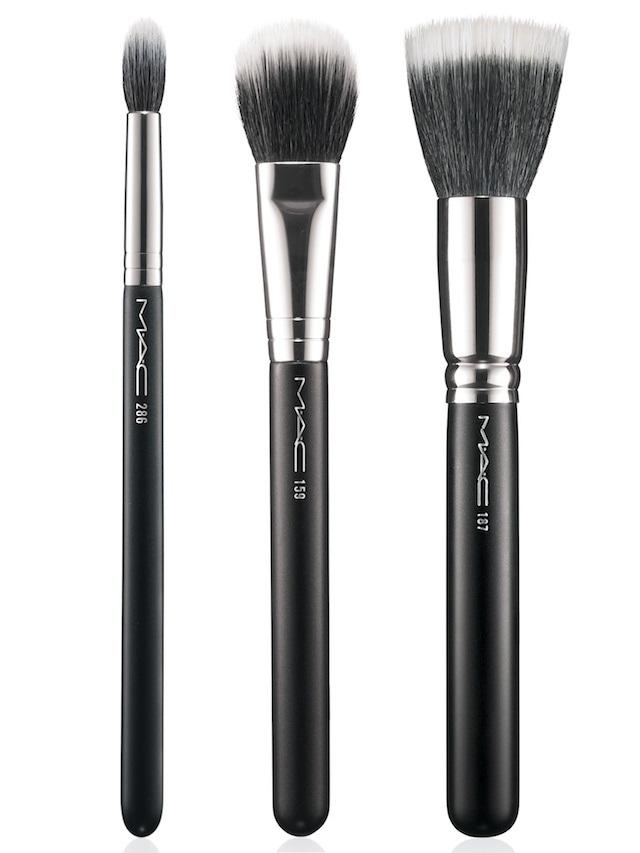 MAC Brushes in (L-R) 286 Duo Fibre Tapered Blending Brush ...